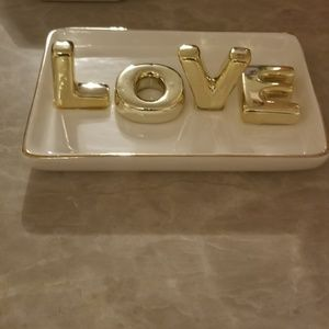 """LOVE"" ceramic jewelry dish, gold & white🎉🎊☀️💕"